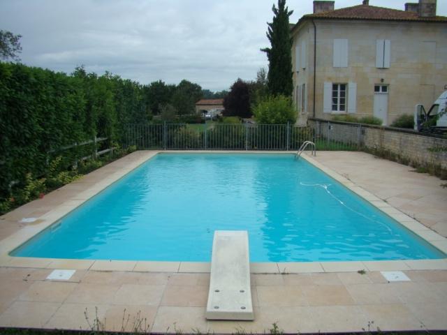 Travaux de construction et r novation piscine en charente 16 for Construction piscine 87